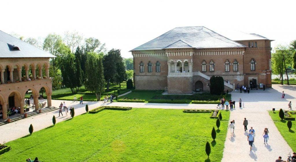 locuri de vizitat langa bucuresti Palatul Mogosoaia_9