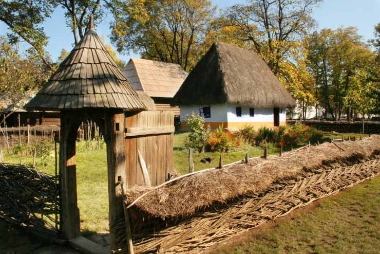 muzeul satului bucuresti