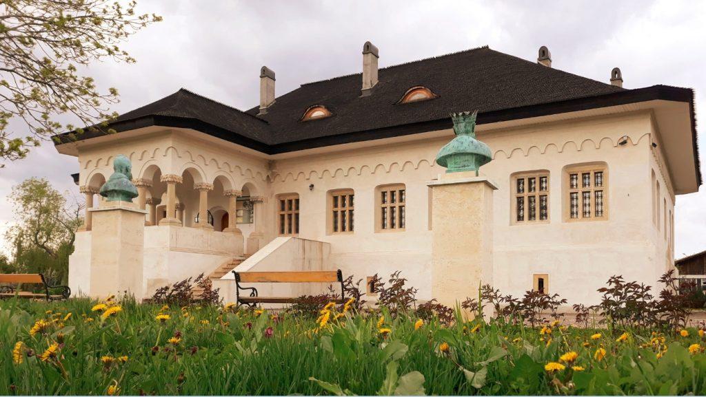 locuri de vizitat langa bucuresti Conacul Pana Filipescu