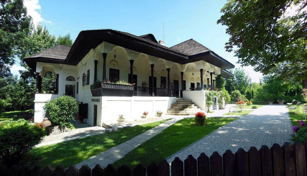 locuri de vizitat langa bucuresti Conacul_Bellu_din_Urlati